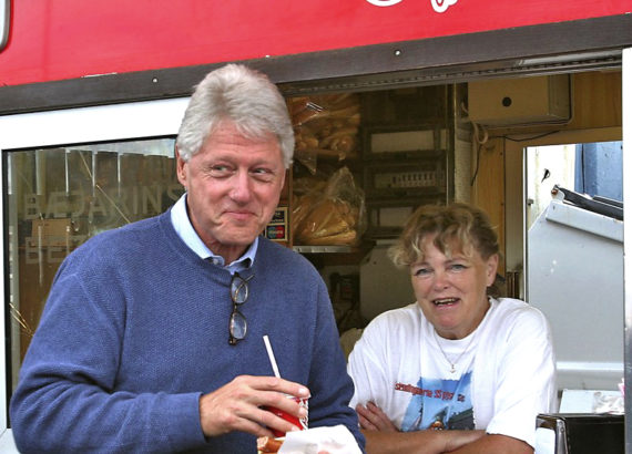 Bill Clinton with Icelandic hot dog